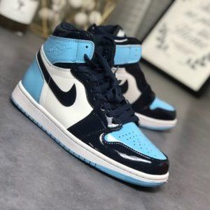 "Air Jordan 1 Retro ""Blue Chill"""